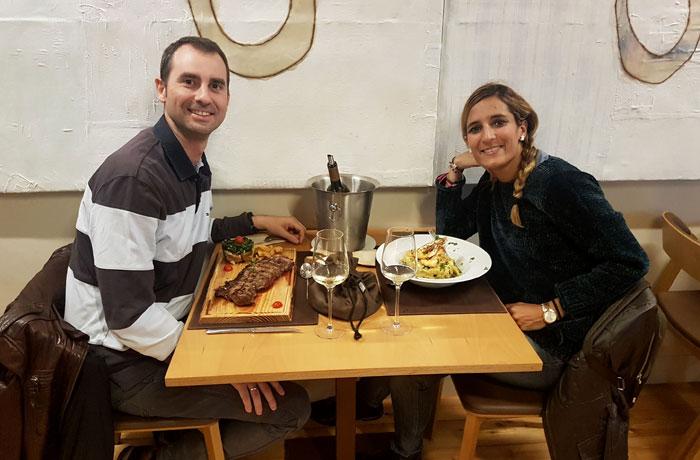 Degustando la comida de Entre Portas comer en Pinhel