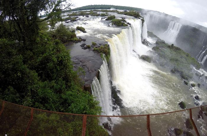 Cascadas desde el lado brasileño Cataratas del Iguazú
