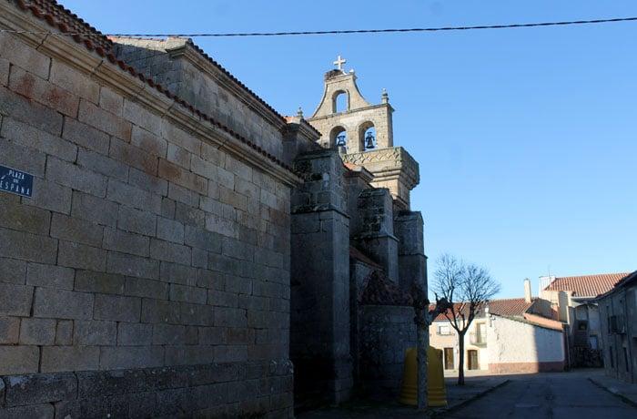 Iglesia de Santa María de Pereña, comienzo de la ruta Arribes del Duero senderismo