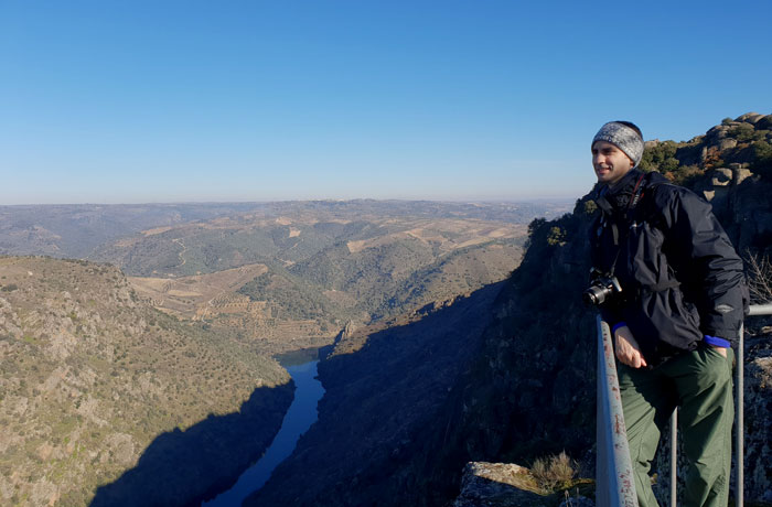 En el mirador de la ermita de Nuestra Señora del Castillo Arribes del Duero senderismo