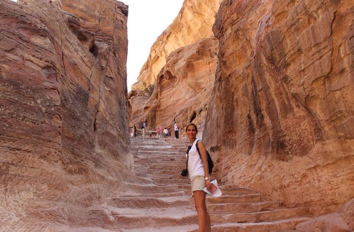 Escaleras de subida al Monasterio que ver en Petra