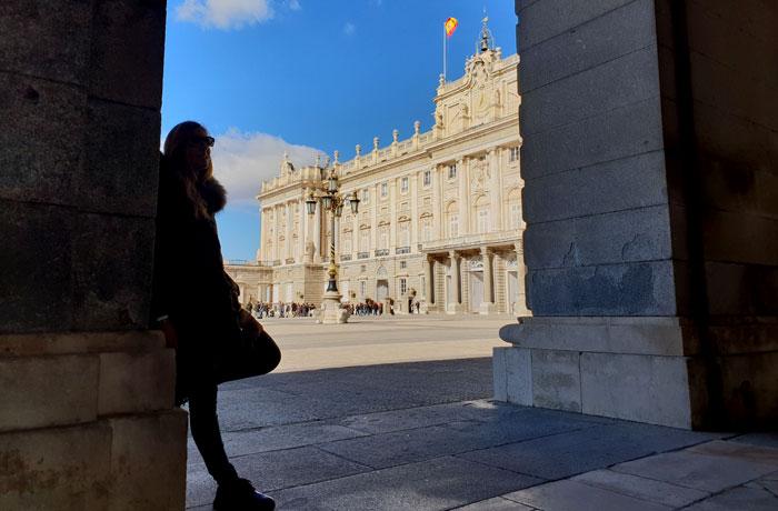 Estefanía, antes de entrar al Palacio Real de Madrid