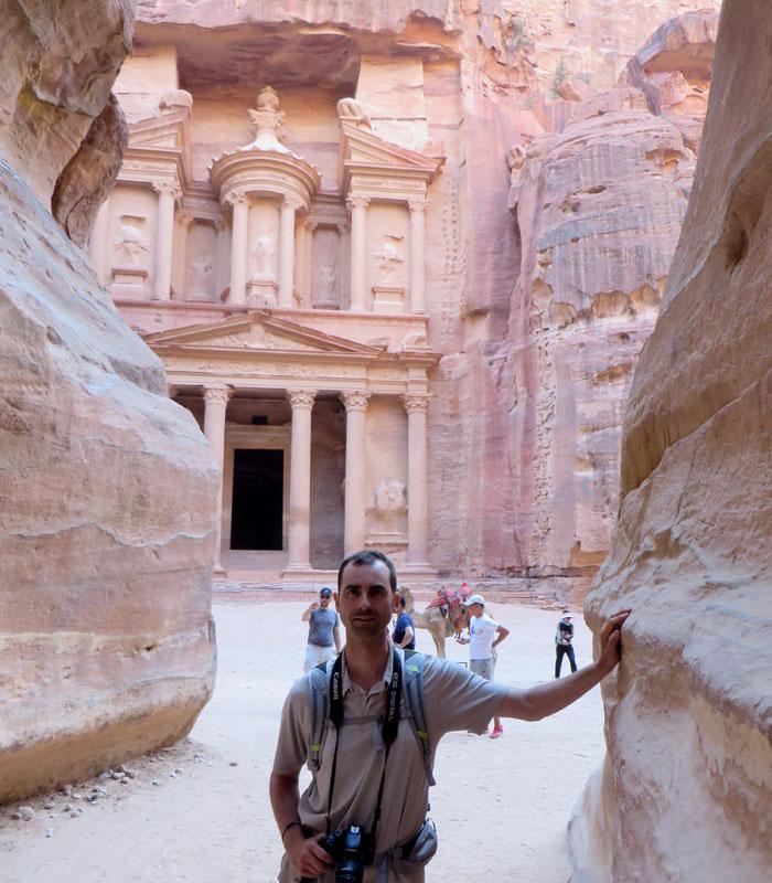 En el Siq frente al Tesoro que ver en Petra
