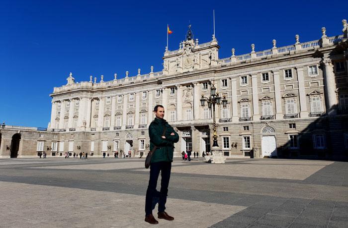 Delante del Palacio Real