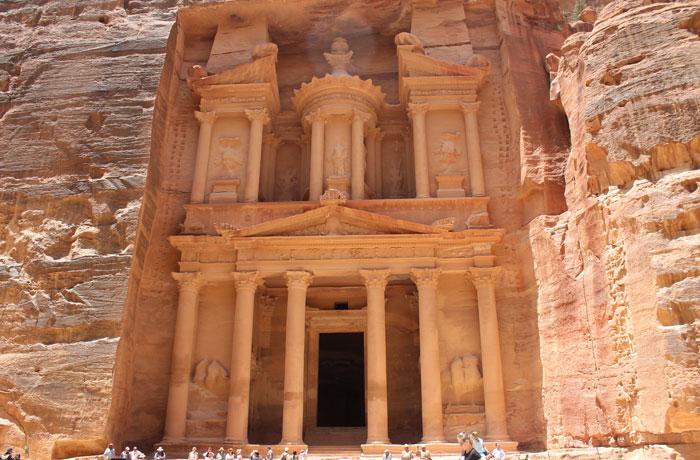El Tesoro, a mediodía que ver en Petra
