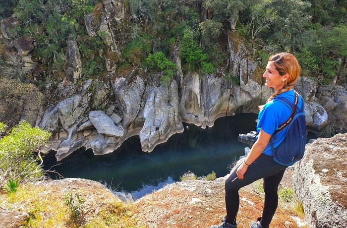 Ante el río Alagón y las formas que ha creado en la roca Sierra de Francia