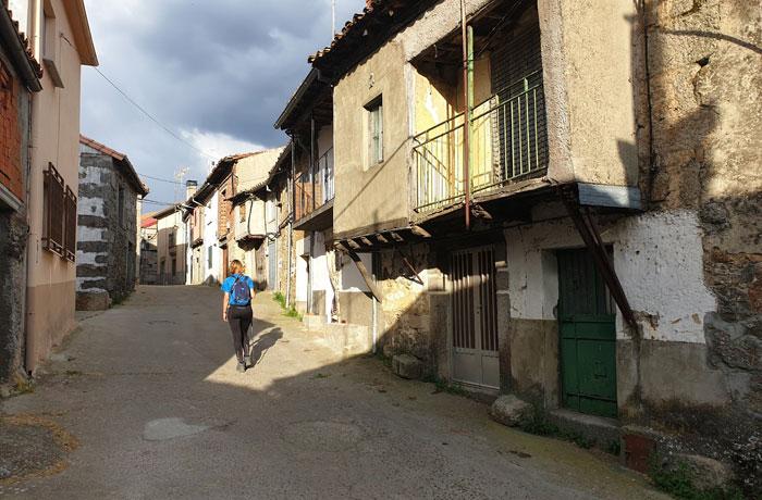 Una de las calles de Pinedas