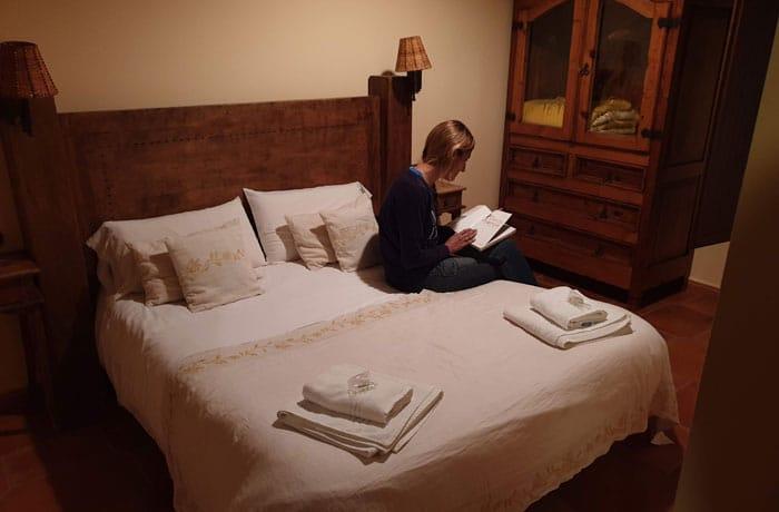 Nuestro dormitorio en El Zahorí de Pinedas