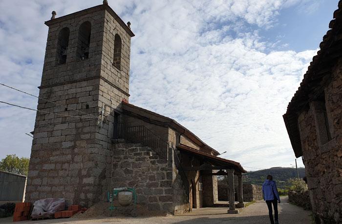 Iglesia de Pinedas