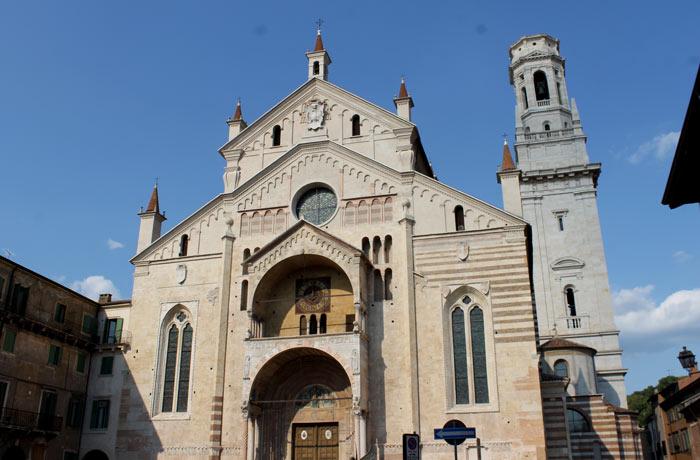 Fachada de la catedral de Verona