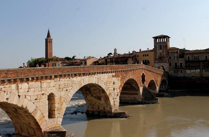 Ponte di Pietra de Verona