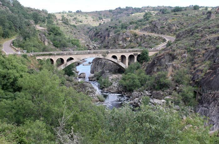 Puente Resbala sobre el Huebra