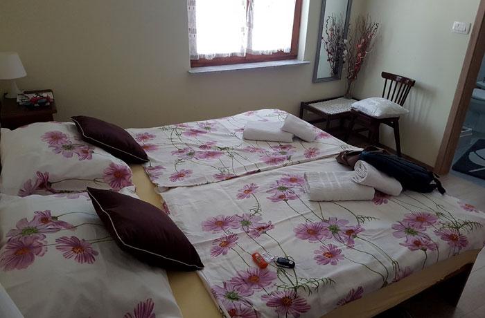 Nuestra habitación en el apartmaji Obzidje