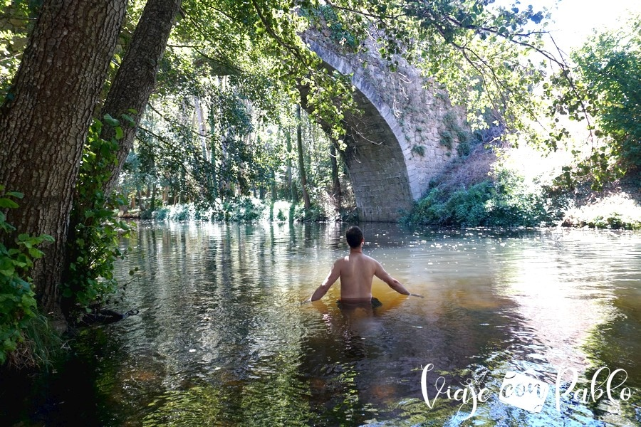 Playa fluvial del río Cuerpo de Hombre en Montemayor del Río