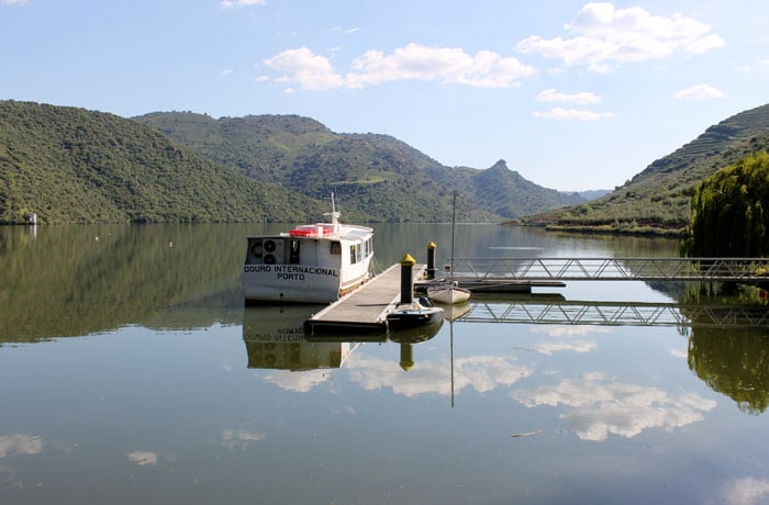 Barco que realiza los paseos por las Arribes del Duero