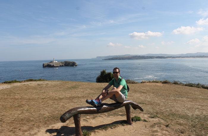 En la península de La Magdalena con la isla de Mouro al fondo