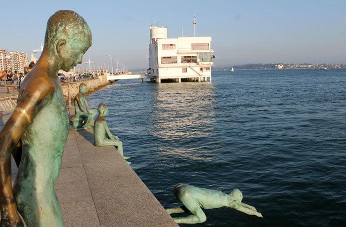 Esculturas de los raqueros qué visitar en Santander