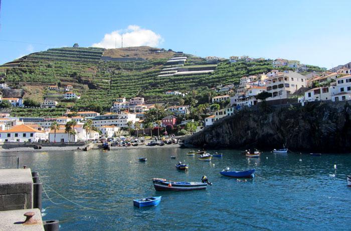 Vista de la bahía de Camara de Lobos que hacer en Madeira
