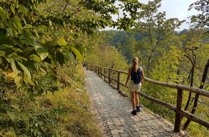 Inicio de la ruta por los lagos de Plitvice