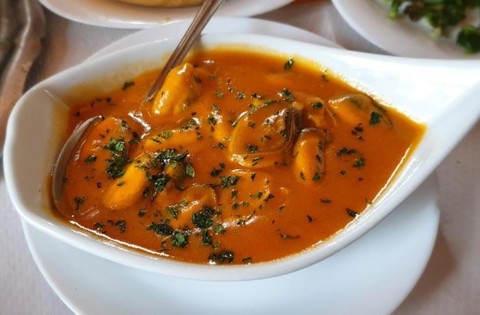 Mejillones en salsa de O Pescador comer en O Grove