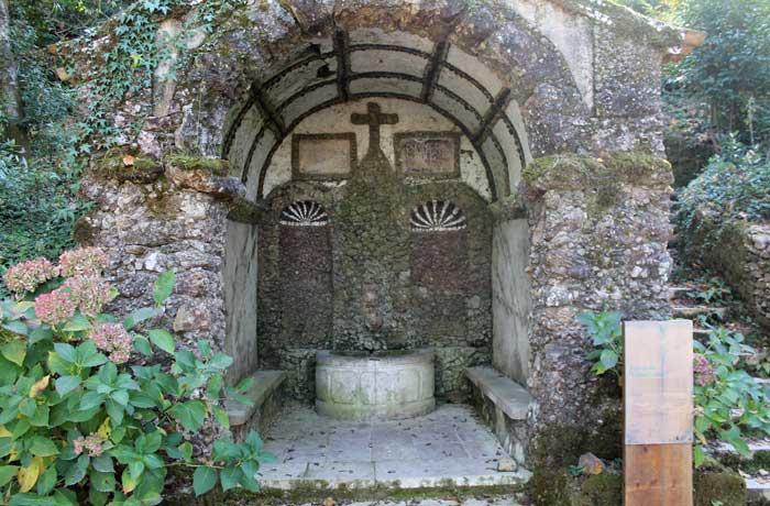 Fuente samaritana en la Via Sacra