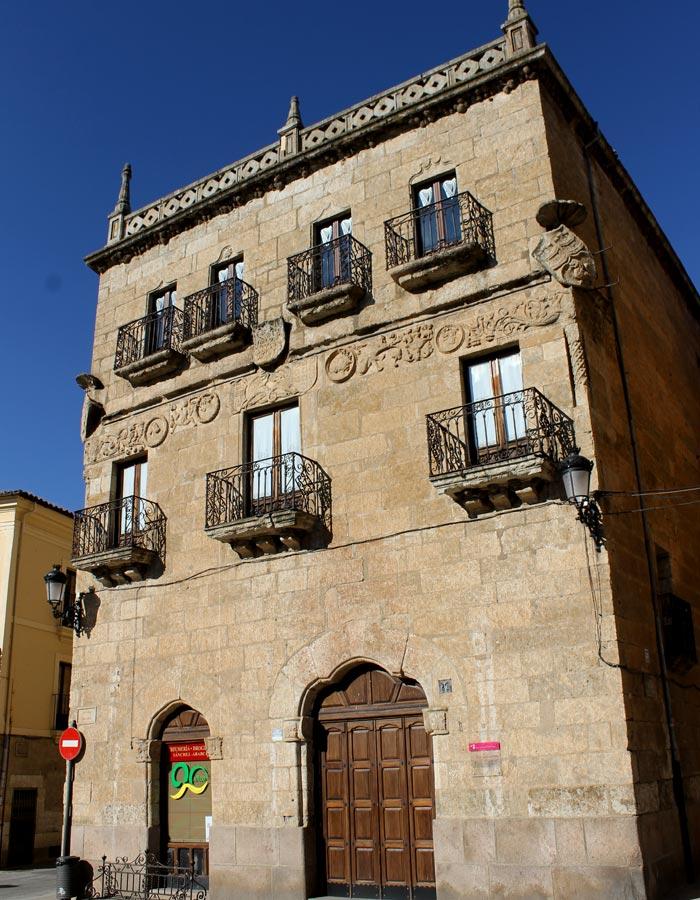 Casa del marqués de Cerralbo en la Plaza Mayor que ver en Ciudad Rodrigo