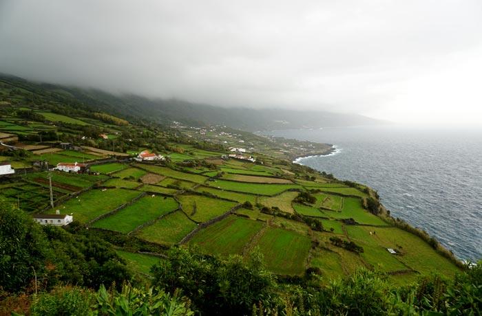 Vista de la costa de Pico en el entorno de Lajes Pico Azores