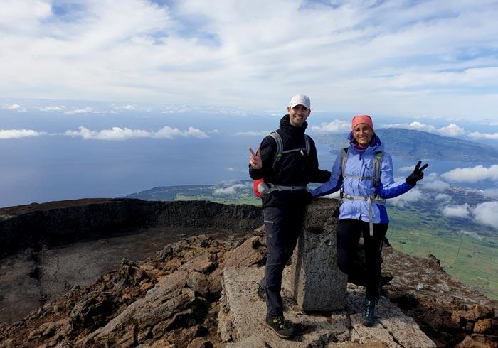 En la cumbre de la montaña de Pico Azores