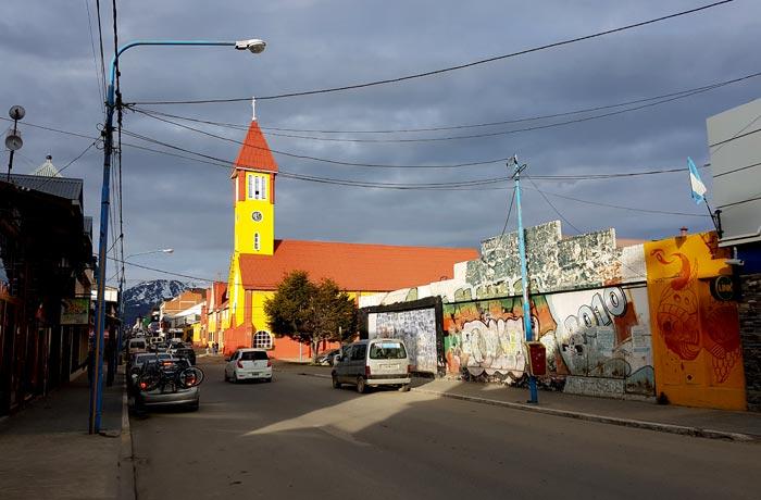 Una de las calles más pintorescas de Ushuaia