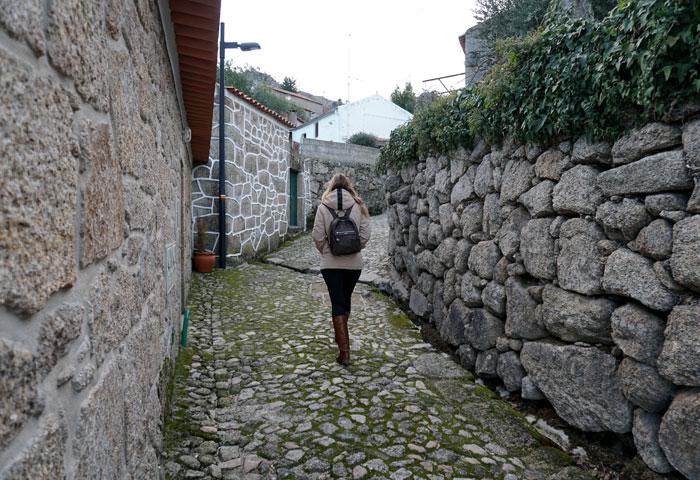 Una calle de Castelo Novo qué ver en Fundão