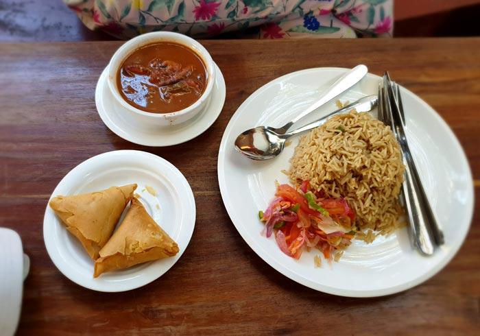 Parte de nuestra comida en el restaurante Lukmaan