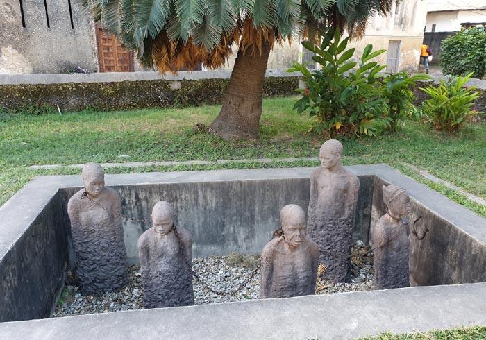 Memorial a los esclavos junto a la Catedral Anglicana de Stone Town