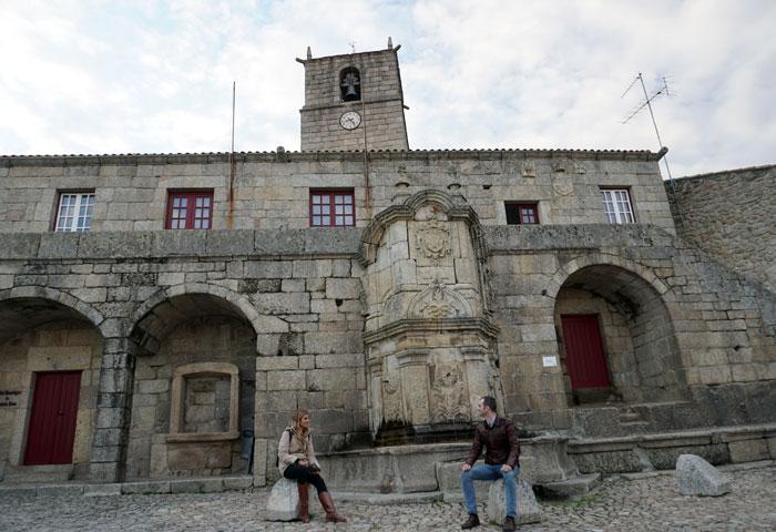 Plaza con la Casa de la Cámara de Castelo Novo qué ver en Fundão