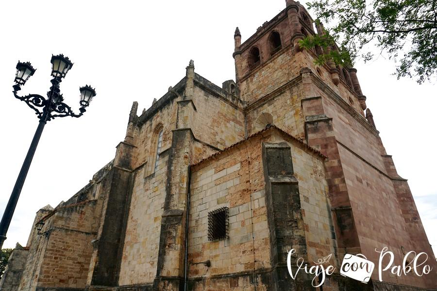 Iglesia de Nuestra Señora de los Ángeles que ver en san vicente de la barquera