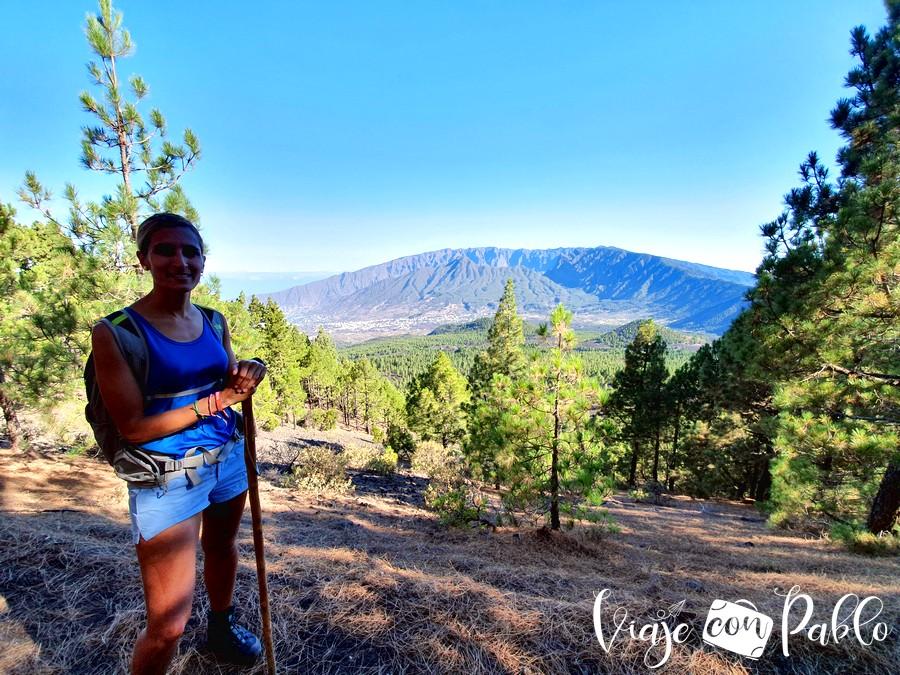 Vista de las cumbres de La Palma al poco de iniciar la ruta