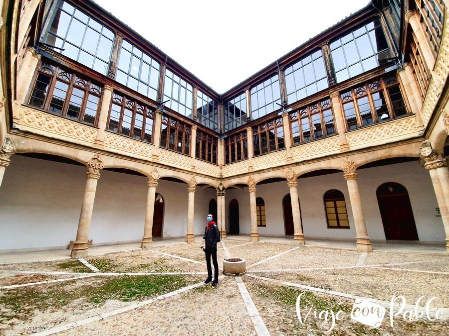 Patio del Palacio de los Condes de Requena