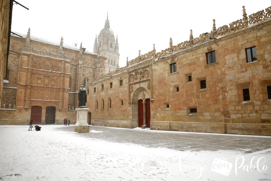 El patio de Escuelas Mayores, nevado