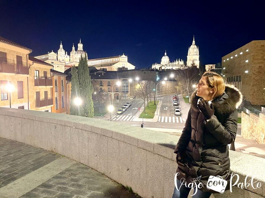 Vista de la Clerecía y las catedrales desde la calle Peñuelas de San Blas que ver en Salamanca