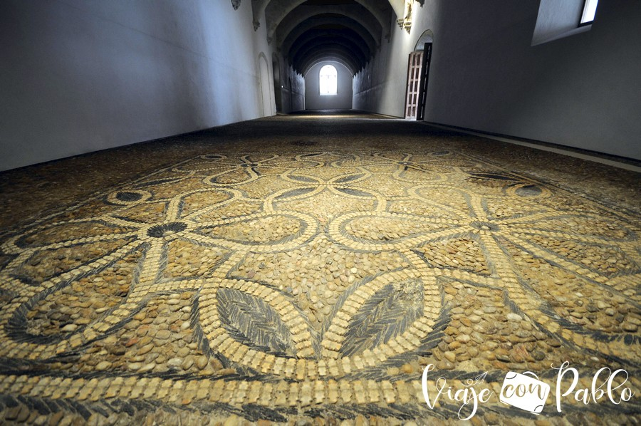 Claustro de Colón o salón de Profundis