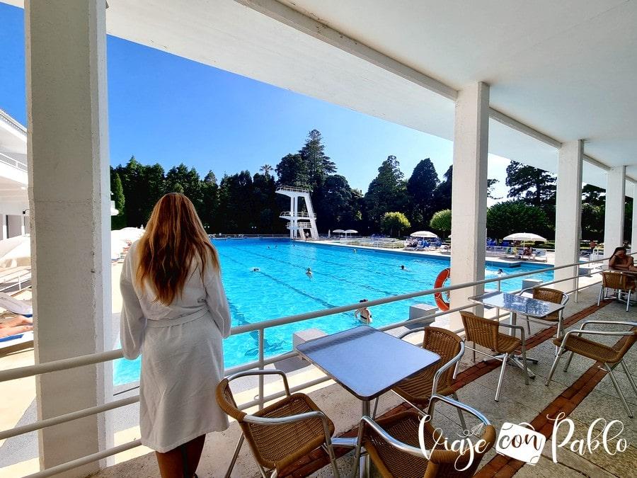 Vista de la piscina olímpica del Grande Hotel de Luso